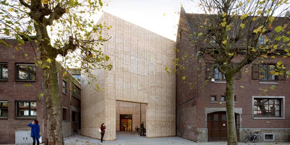 Ziegelsteine, Ziegelhaus, Baubeispiel, Buda Art Centre, Foto: Wienerberger