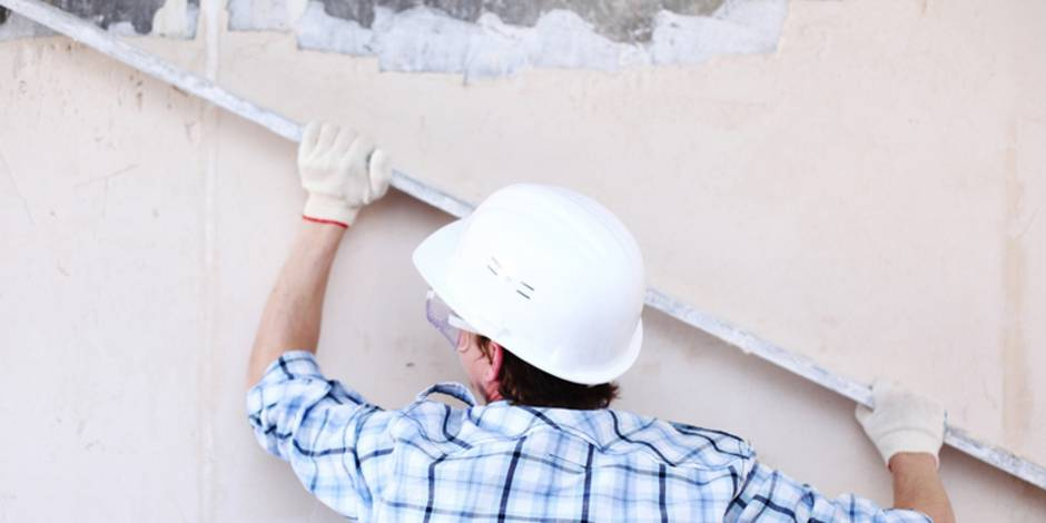 Wand verputzen ▷ Innen & Außen ▷ Schritt für Schritt - bauen.de