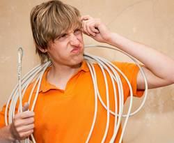 Kabel verlegen, Foto: Kristin Gründler/Fotolia.com