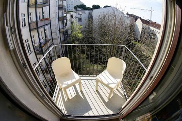 kleiner Balkon, vorher, Foto: balkongestalter.de