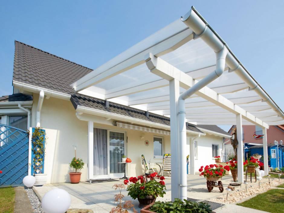 Terrassenüberdachung, diy, Bausatz, Gartenüberdachung, Foto: djd/Gutta Werke