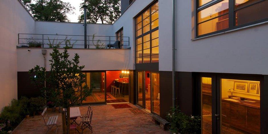 Atriumhäuser, Atriumhaus in der Morgendämmerung, Foto: Langheinrich + Manke Architektur