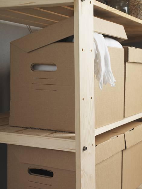 im Keller lagern, Kellerlagerung, Winterkleidung, Kartons, Foto: Inter IKEA Systems B.V.
