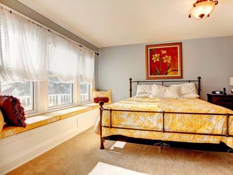 Amerikanische Häuser, Fenster, Sprossenfenster, Fenstersitz, Foto: Iriana Shiyan - Fotolia.com