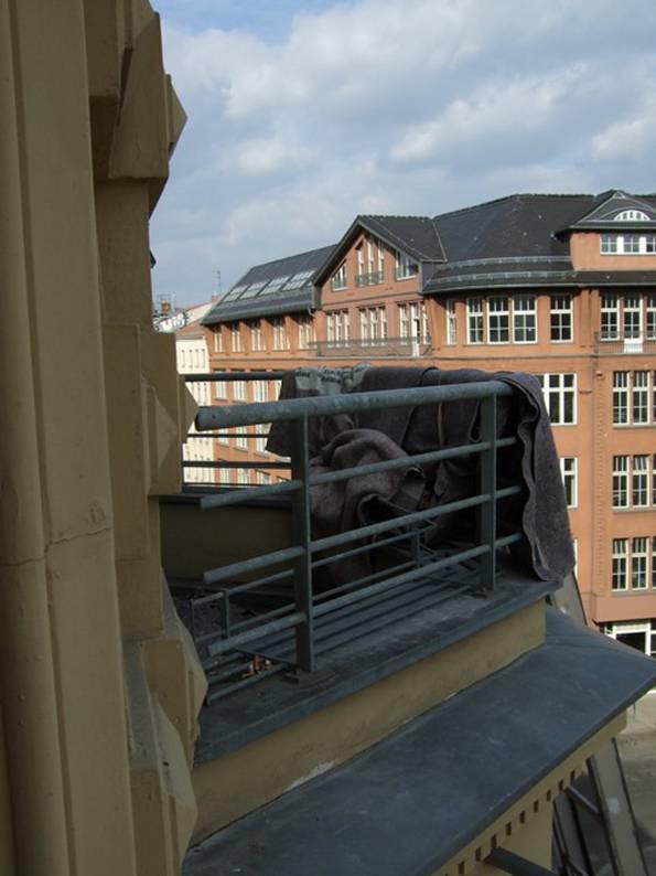 kleiner Balkon, ungenutzt, Foto: balkonsaison.de
