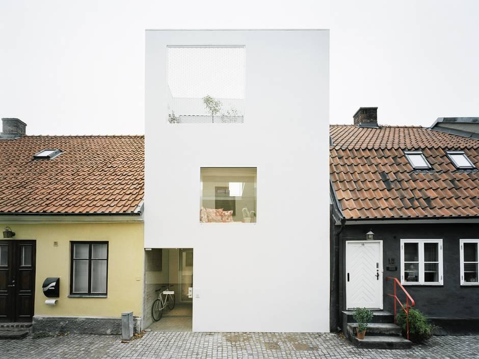 kleines Haus, schmales Grundstück, Baulücke in Landskrona, Foto: Elding Oscarson