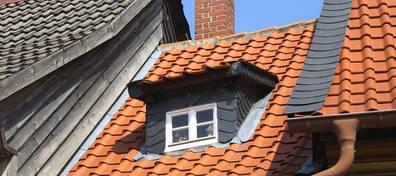 Dach, Dach mit Gaube, Dachform, Dacheindeckung, Foto: Matthias Nordmeyer / fotolia.de