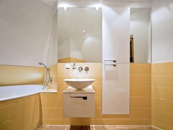Dachausbau, Dachumbau, Badezimmer, Bad, Dachbad, Dachschrägenbad, Dachschräge, Dusche, WC, Foto: die-badgestalter.de