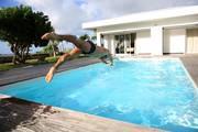 Swimmingpool, Pool selber bauen, Foto: goodluz - Fotolia.com