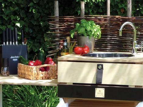 Freiluftküche, Outdoorküche, Spüle, Foto: OCQ / Sabrina Hensel