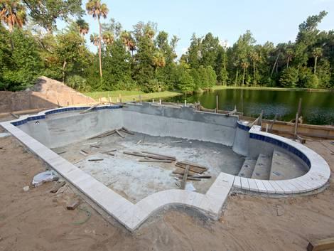 Swimmingpool, Pool selber bauen, gemauert, Foto: Lucy Clark - Fotolia.com