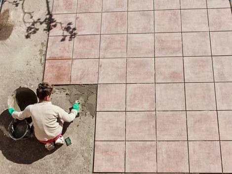 Terrassenplatten verlegen, diy, Mörtelbett, Foto: delkoo - fotolia.com