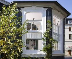 fensterrahmen aus holz aluminium oder kunststoff. Black Bedroom Furniture Sets. Home Design Ideas