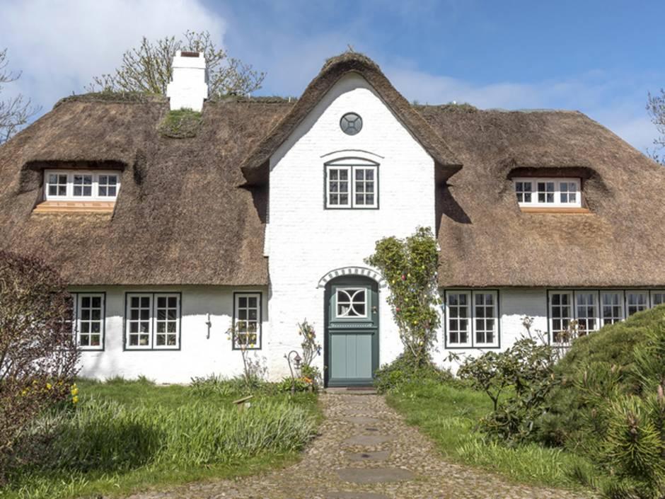 Denkmalschutz, Reetdachhaus in Norddeutschland, Foto: helmutvogler / fotolia.de