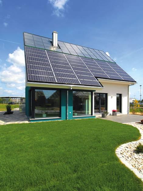 Sonnenhaus, 100 Prozent Sonnenhaus, Sonnenkollektoren, Kollektorfläche, Foto: Helma Eigenheimbau