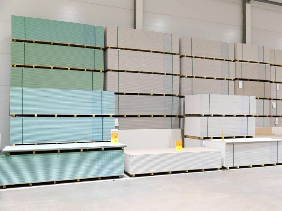 Leichtbauwand, Trockenbauwand, Gipsplatten, Feuchtraumplatte, Green-Boards, Foto: ronstik / iStock