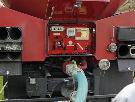 Pelletheizung, Holzpellets, Pelletlieferung, Tanklastwagen, Foto: ClaudiaKnieling / iStock