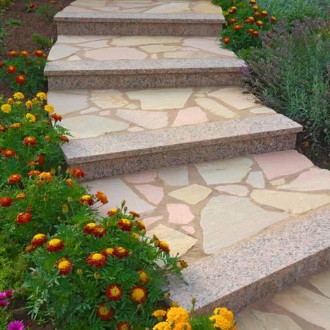 Außentreppe bauen, Legestufen, Trittstufe, Setzstufe, Foto: Fotoschlick - Fotolia.com