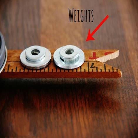 Recycling-Möbel, DIY, Fahrrad-Uhr, Unterlegscheiben, Gewichte, Foto: Karianne / thistlewoodfarms.com
