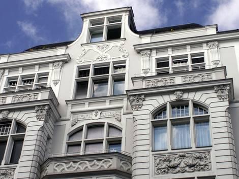 Innenwand selbst dämmen, Innendämmung, Stuckfassade, Foto: djd / Fachverband Wärmedämm-Verbundsysteme e.V.
