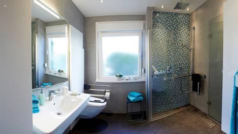 Bad renovieren, Badrenovierung, Badsanierung, Badezimmer modernisieren, barrierefrei, Foto: VDS