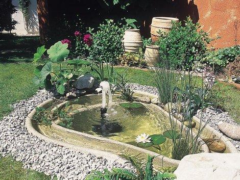 Teich selber bauen, Gartenteich anlegen, Blickfang, Foto: OASE GmbH