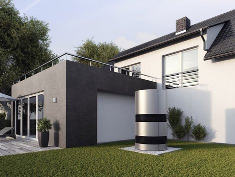 Gebäudeenergiegesetz, GEG, moderne Haus, im Garten steht eine runde Wärmepumpe, Foto: Bundesverband Wärmepumpe e.V. (BWP)
