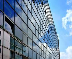 Spiegelglas, Fassade, Fenster, Verglasung, Foto: von Lieres/Fotolia.com