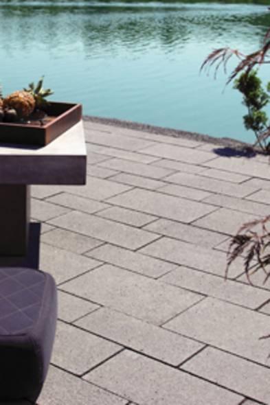 Terrassenplatten verlegen, diy, Betonplatten. Foto: djd/Lithonplus GmbH & Co. KG