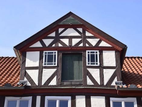 Zwerchhaus, Gaube, Foto: hydebrink / fotolia.com