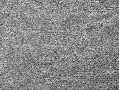 Teppich verlegen, gewebter Teppich, Foto: Nattapol Sritongcom / stock.adobe.com