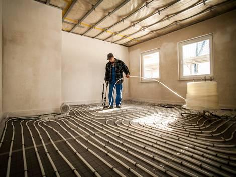 Flächenheizung, Fußbodenheizung, Foto: djd/Bauherren-Schutzbund