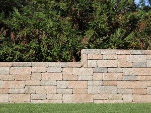 Sichtschutz, Gartenmauer, Trockenmauer, Foto: iStock / yenwen