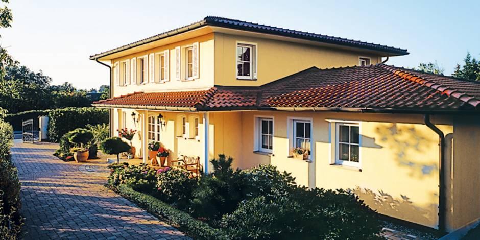 mediterrane Häuser, Vordach, Foto: Bauunion/HLC