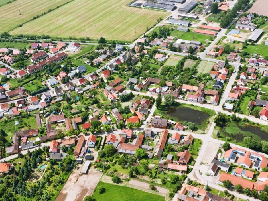 Grundbuch, Kataster, Grundbucheintrag, Foto: iStock/cinoby