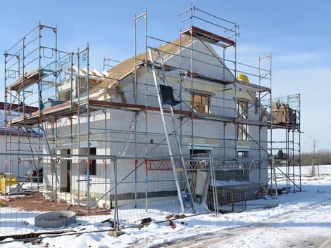 Baupartner, Insolvenz, Rohbau im Winter mit Schnee, Foto: Fotolyse / fotolia.com
