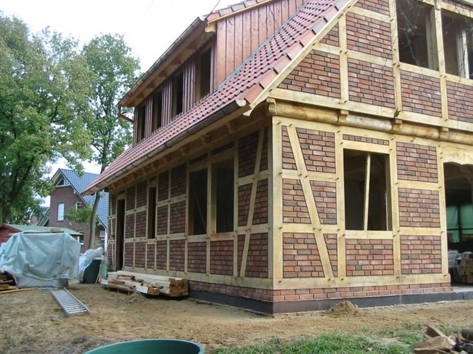 Fachwerkhaus, Neubau, Baustelle eines Fachwerkhauses im Rohbauzustand, Foto: Das Fuhrberger Fachwerkhaus