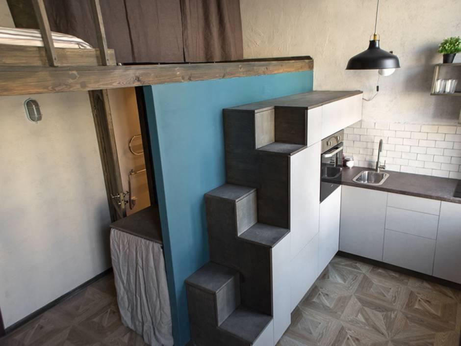 kleines Haus, schmales Grundstück, kleine Küche im Minihaus, Foto: Addictive / iStock