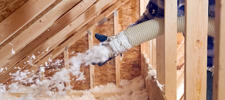 Dämmarten, Einblasdämmung, Glasfaser, Dachdämmung, Foto: BanksPhotos / iStock