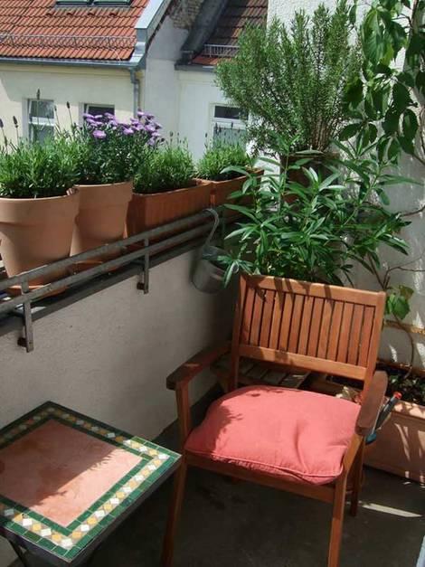 kleiner Balkon, Beistelltisch, Foto: balkonsaison.de