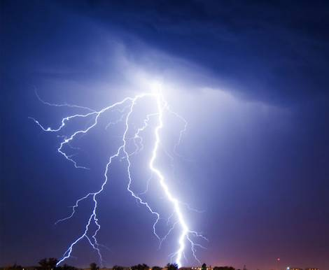 Blitzschutz, Blitzschutzanlage, Blitzableiter, Foto: yevgeniy11/Fotolia