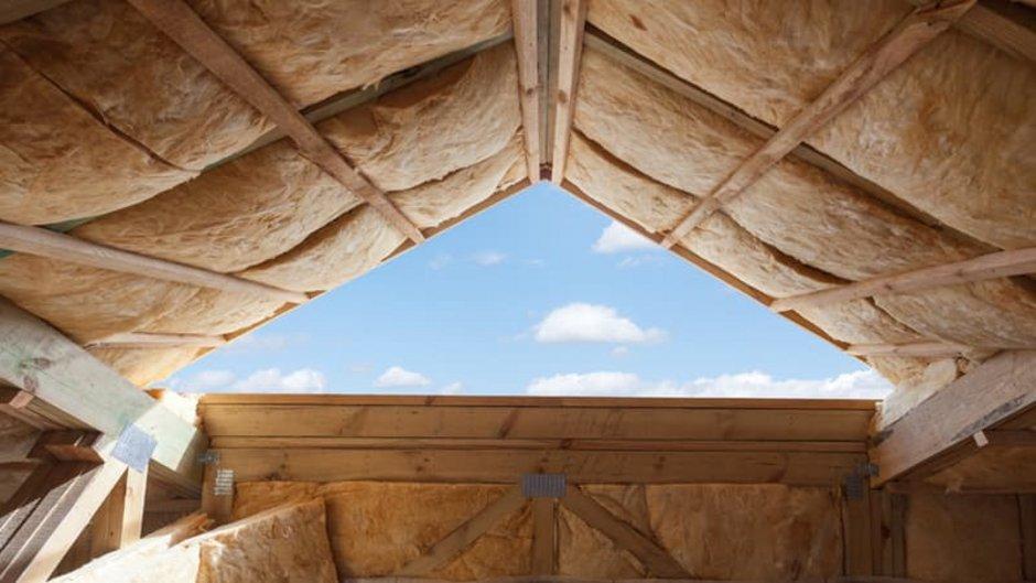 Mineralwolle, Dachboden mit offenem Giebel, Foto: brizmaker / stock.adobe.com