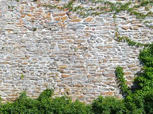 Sichtschutz, Gartenmauer, Natursteinmauer, Foto: ecwo / stock.adobe.com