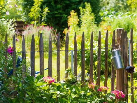 Zaun, Zaunsysteme, Lattenzaun, Foto: DoraZett/fotolia.com