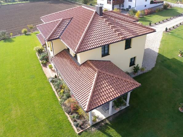 mediterrane Häuser, Dachform, Walmdach, Foto: Wienerberger/Koramic