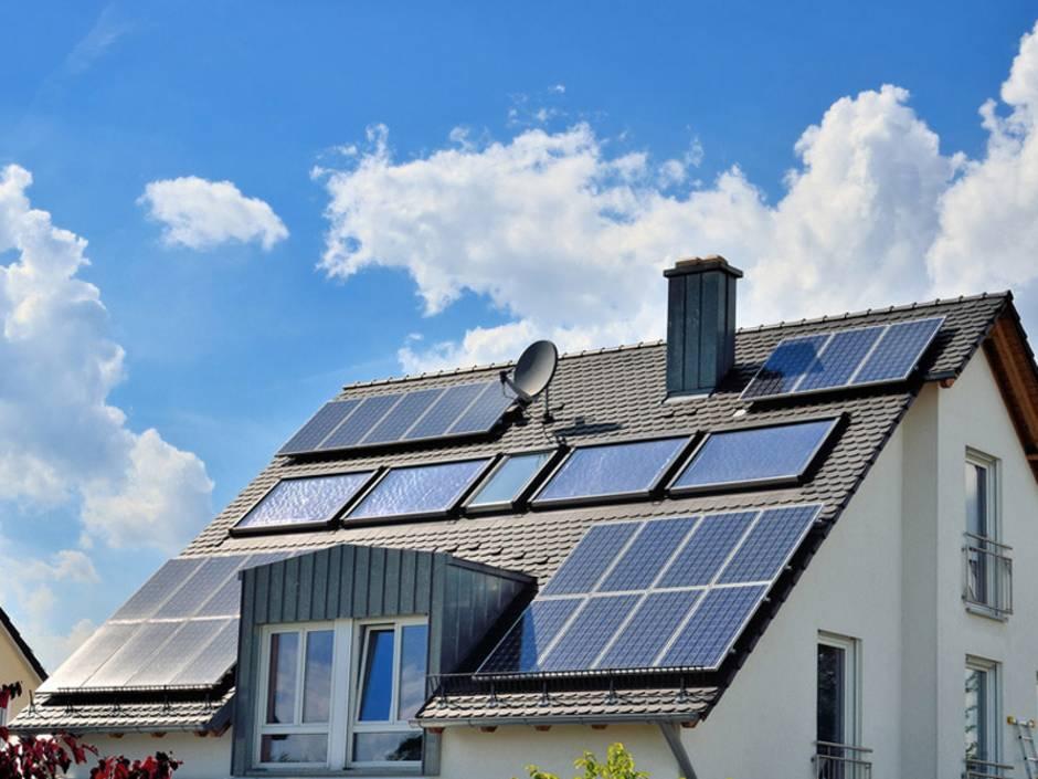 Heizungen, Heizungsvergleich, Solaranlage, Photovoltaik, Solarthermie, Sonnenkollektoren, Foto: reimax16 / fotolia.de
