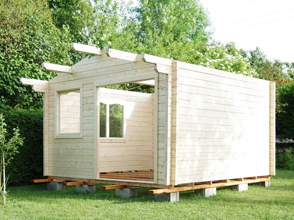 Gartenhaus, Bausatz, ein selbst gebautes Gartenhaus, noch ohne Dach und ohne Boden, Foto: Wellnhofer Designs/Fotolia.com