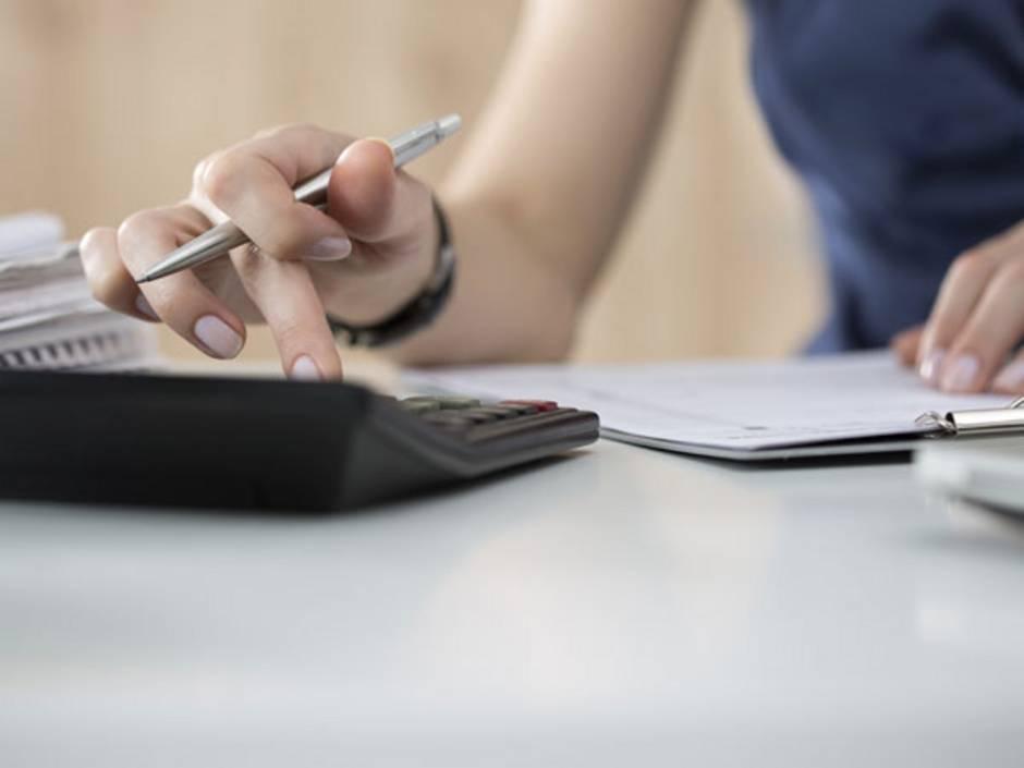 Eigenverbrauch, Steuern, Foto: Dutko/iStock.com