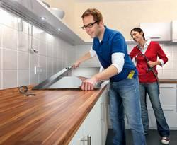 Arbeitsplatte einbauen, Foto: Hornbach