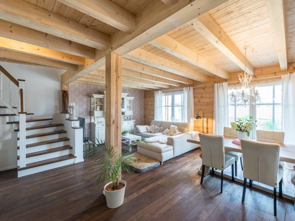 Erdgeschoss, Wohnzimmer, Esszimmer, Blockhaus, Foto: Fullwood